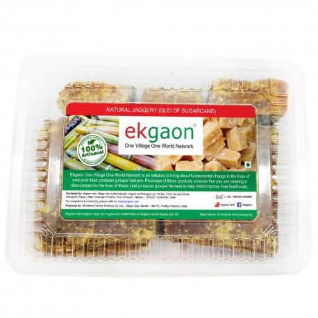 Natural jaggery (Gud of sugarcane)